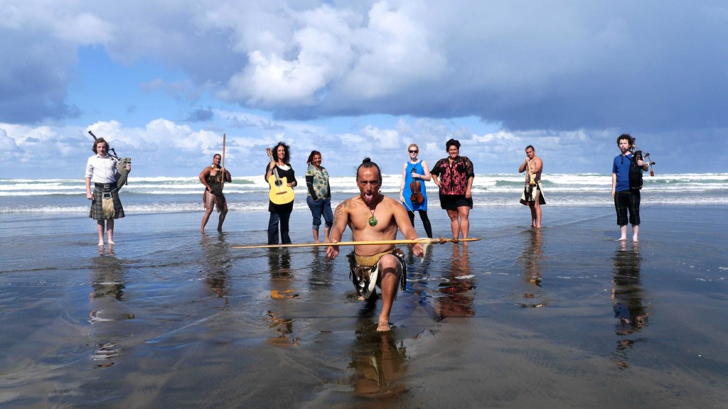 Boomerang Project on Muriwai Beach, photo by Toby Mills